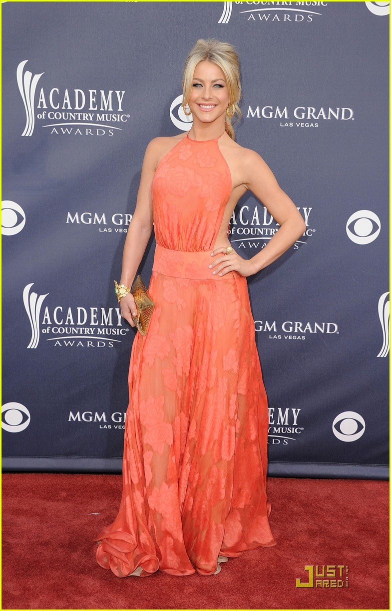 Julianne Hough Country...