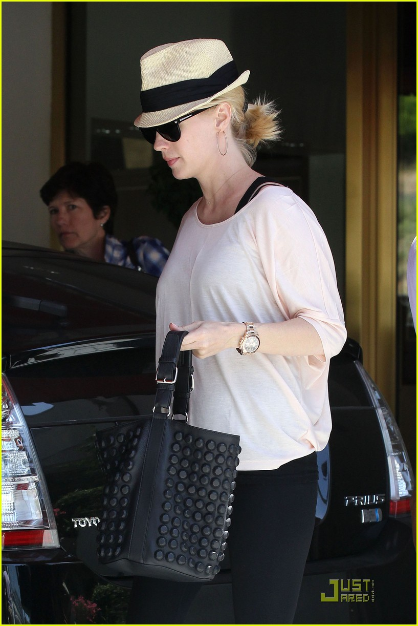 january jones lunch hotel 032539337