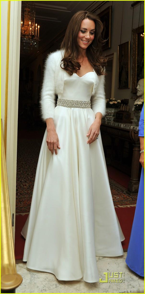 kate middleton second wedding dress 01