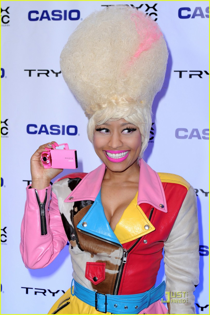 nicki minaj tryx out kickoff party 09