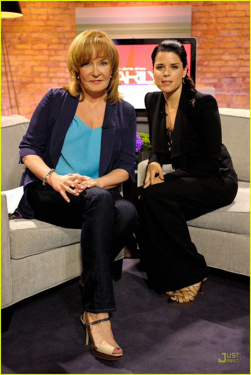neve campbell marilyn denis show 08