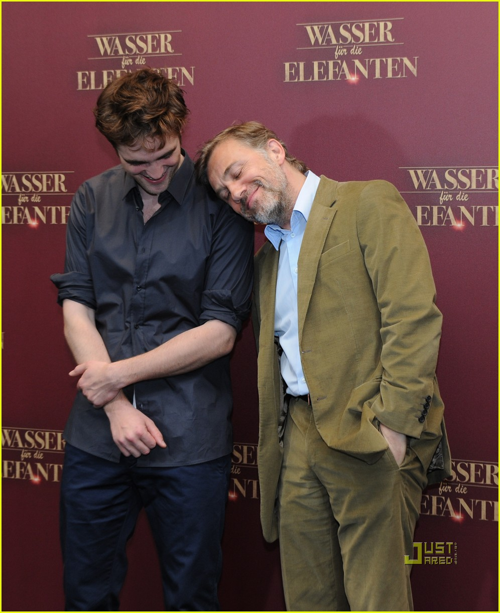 robert pattinson christoph waltz water for elephants photo call berlin 10