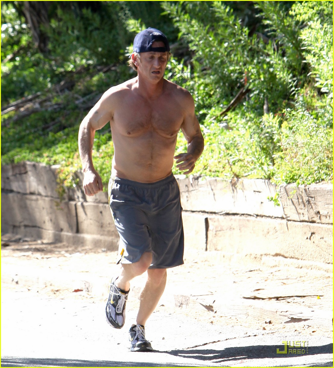 sean penn shirtless jogging 20
