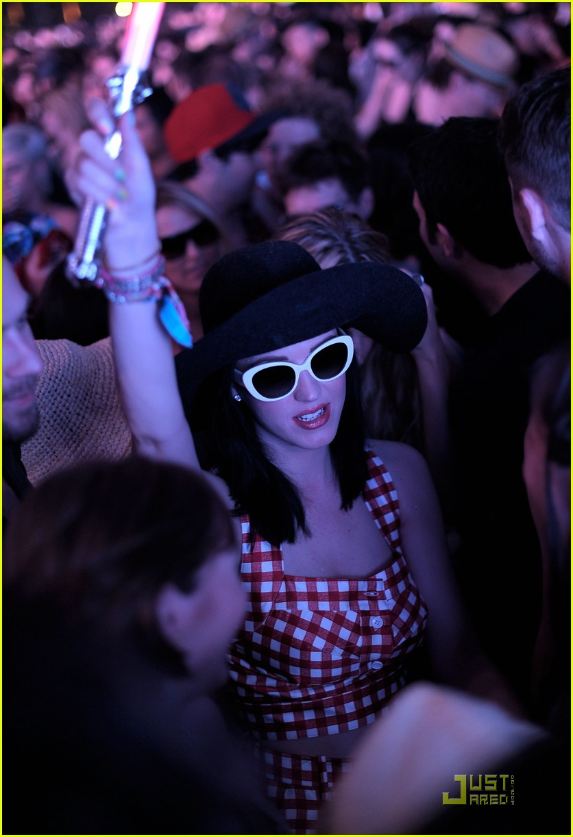 katy perry california coachella girl 01