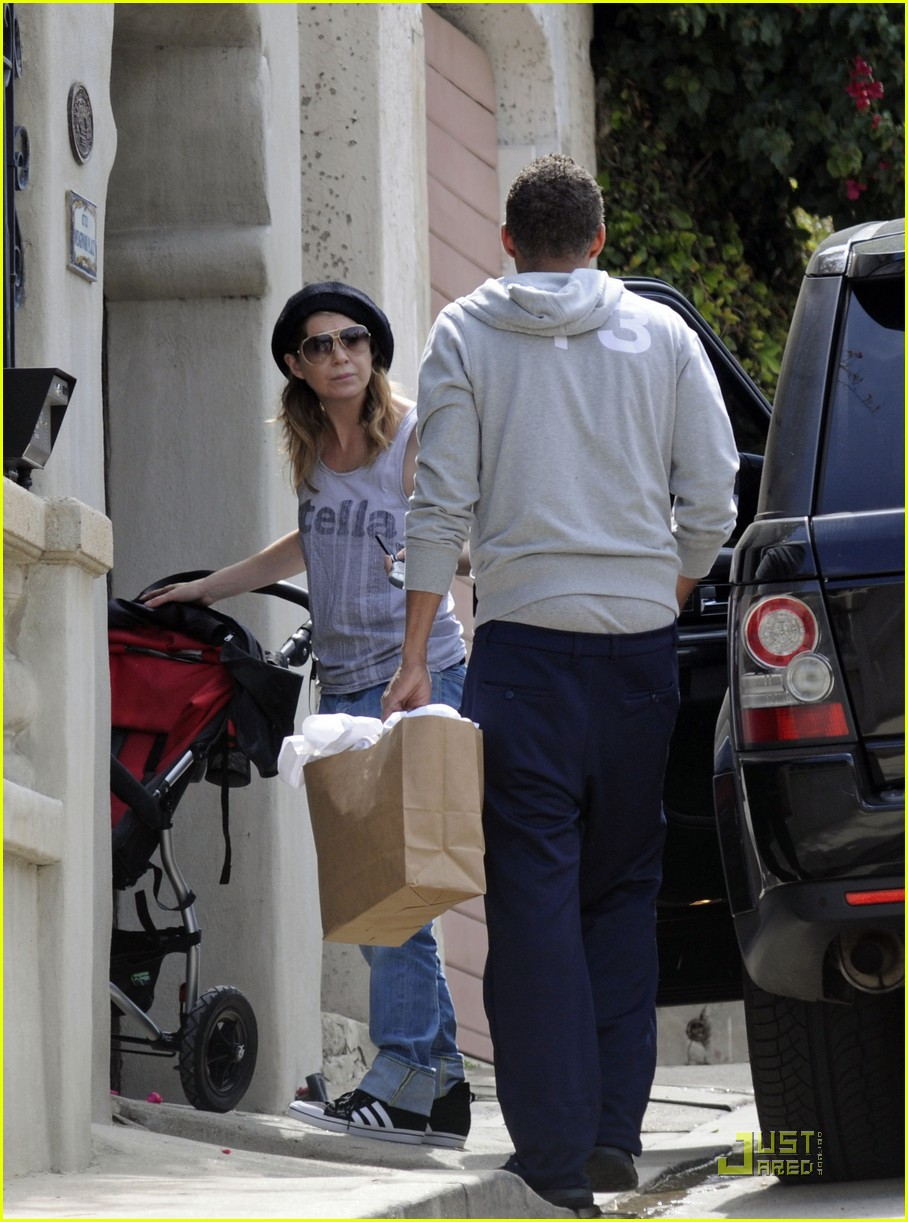 ellen pompeo day out with stella chris ivery 03