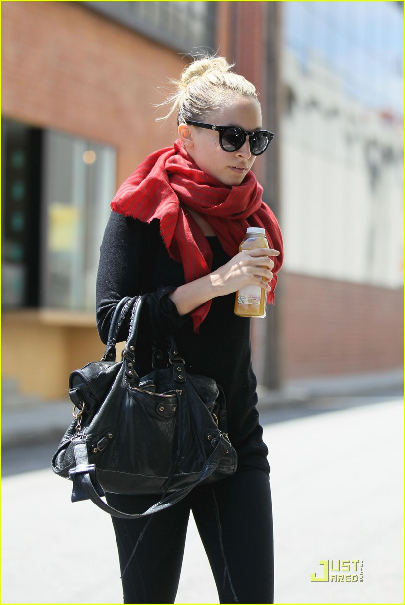 nicole richie workout woman 03