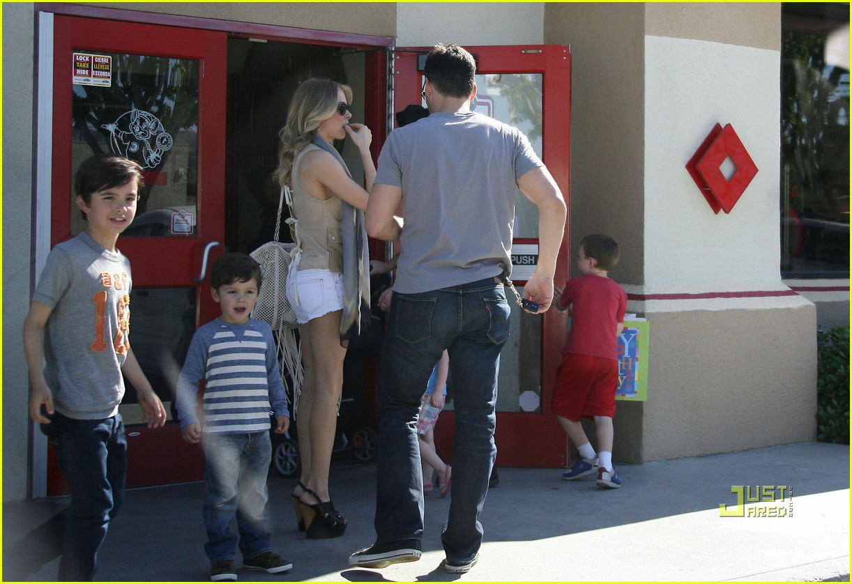 leann rimes eddie cibrian birthday party 012536525