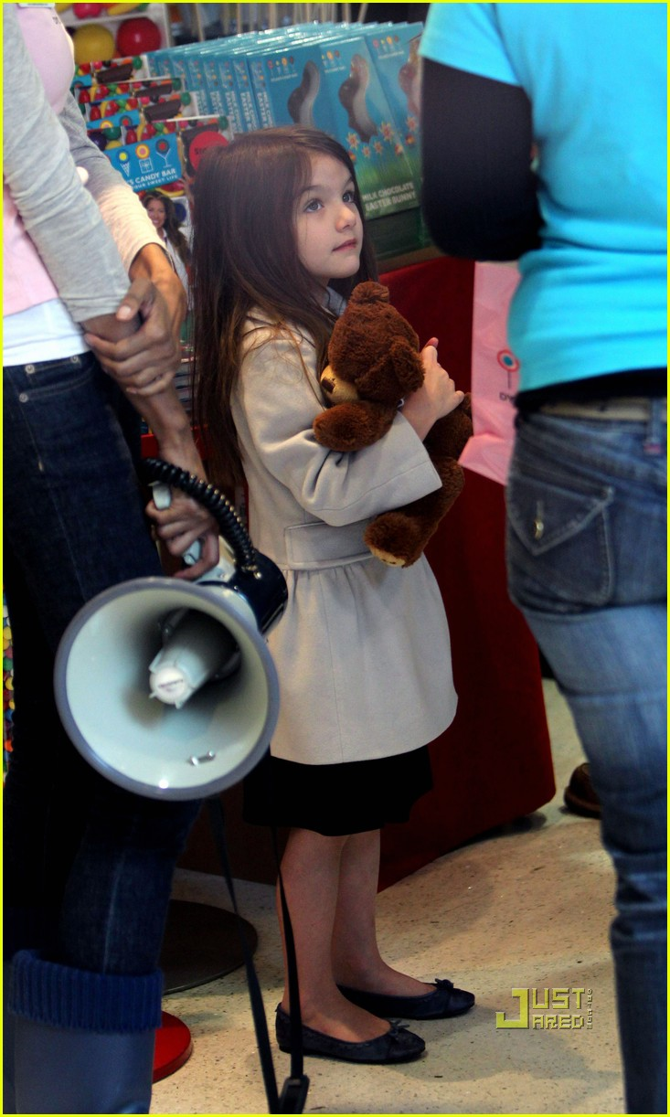 suri cruise dylans candy bar 032535220