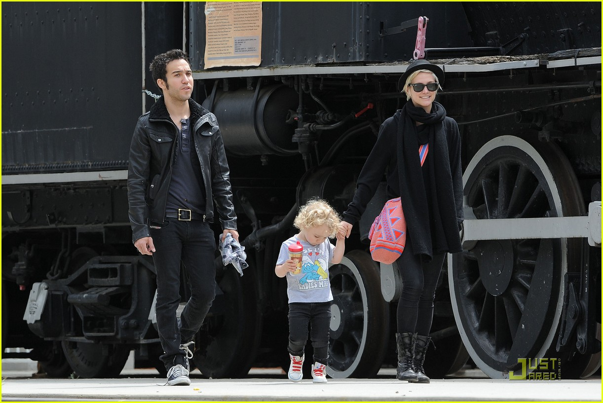 pete wentz ashlee simpson bronx train 012537580