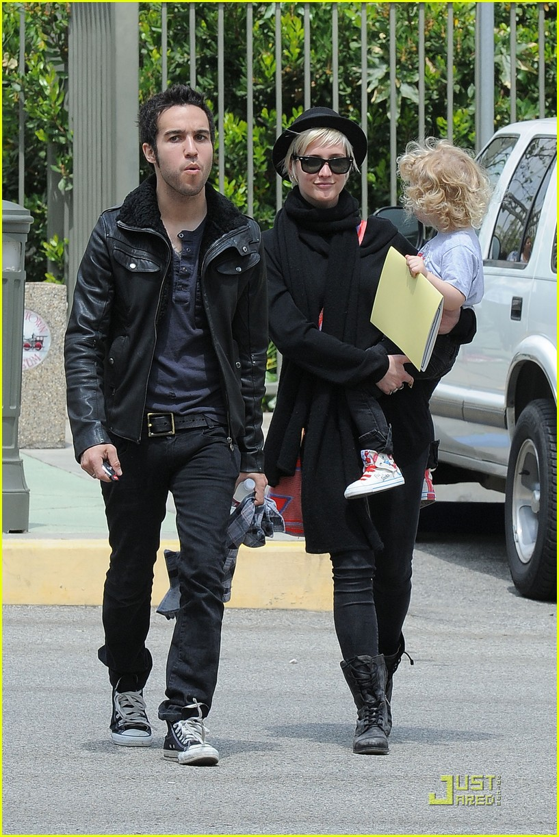 pete wentz ashlee simpson bronx train 092537588