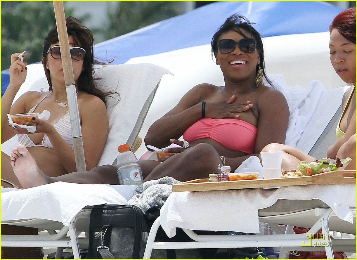 serena williams bikini beach body 09