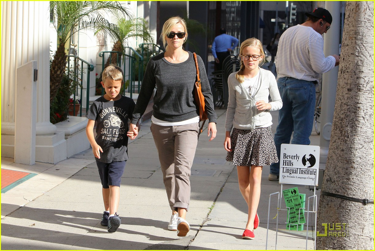 Full Sized Photo Of Reese Witherspoon Kids Doctormytext07