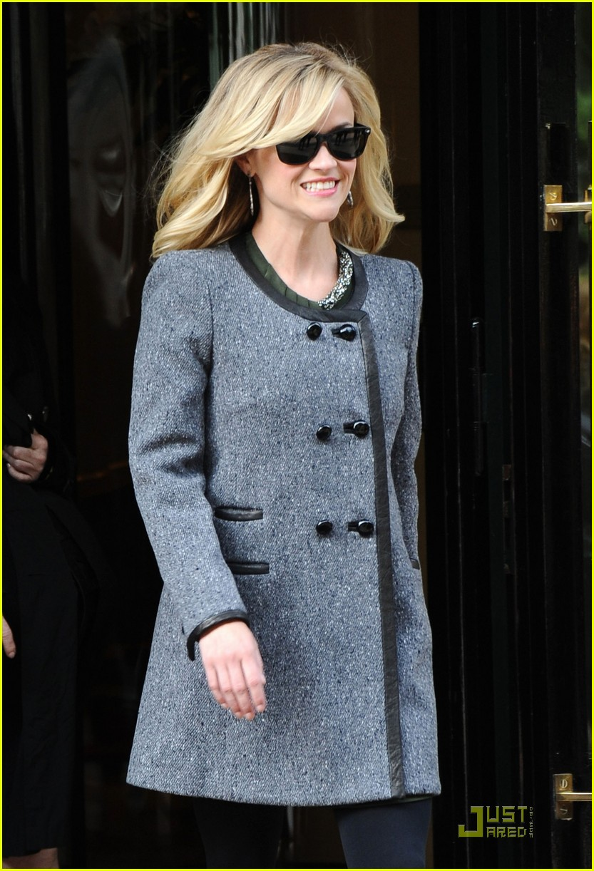 reese witherspoon paris hotel 03