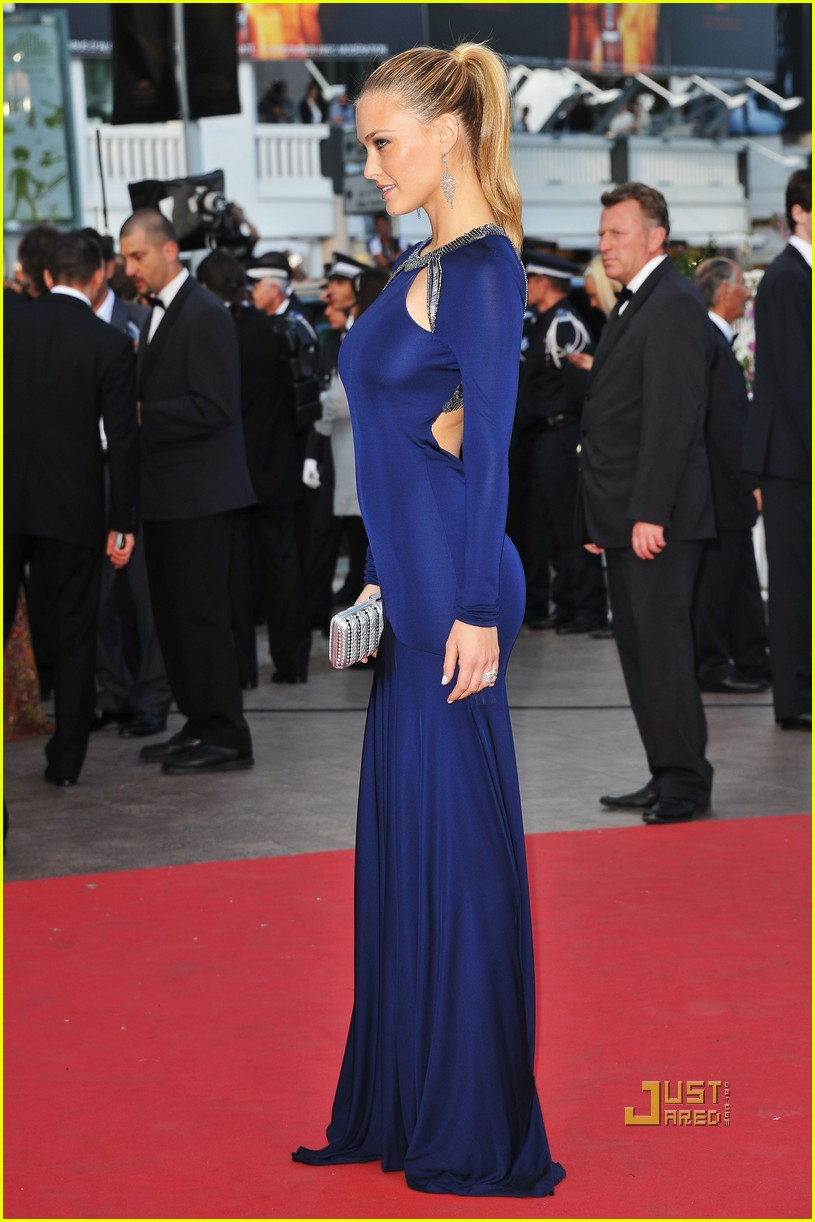 bar refaeli beaver premiere cannes 08