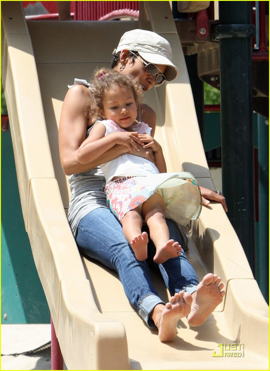halle berry down the slide with nahla 05