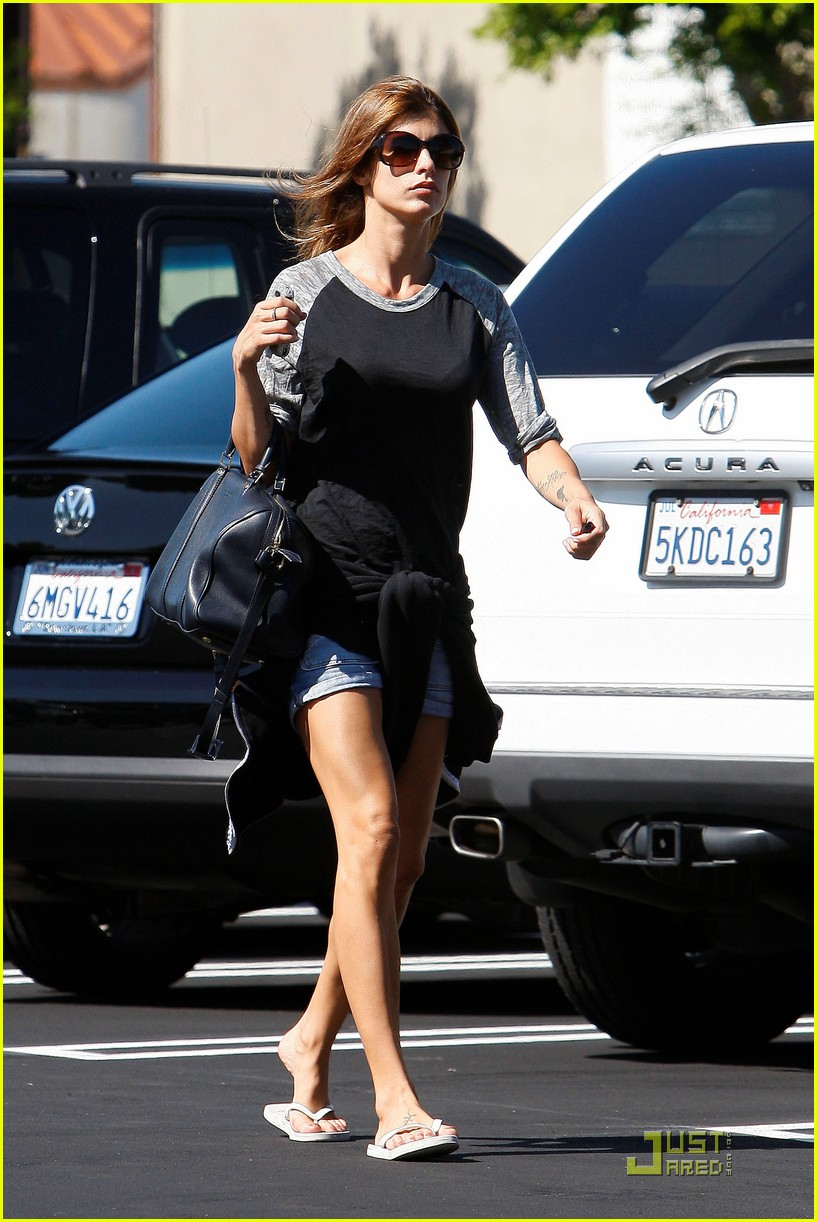 elisabetta canalis gelsons grocery gal 142543535
