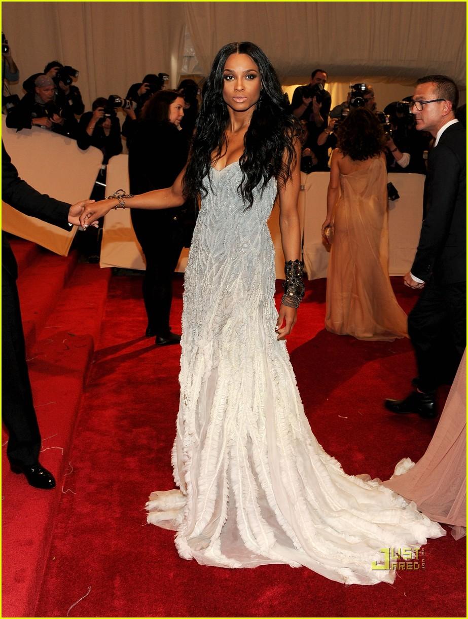 ciara met ball 2011 04