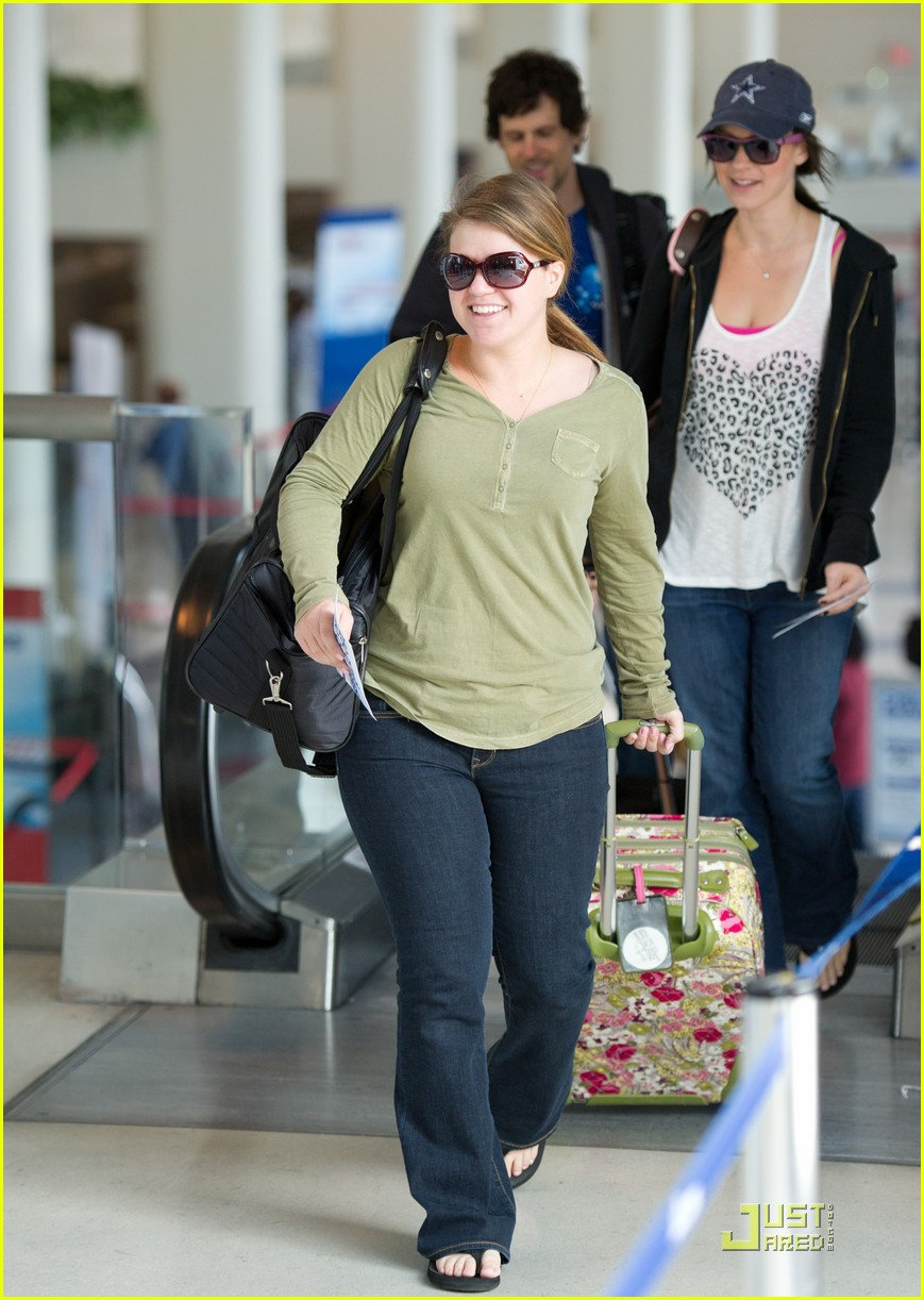 kelly clarkson lax puppy 02