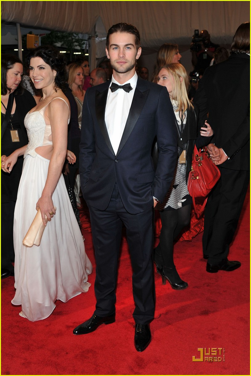 chace crawford matthew morrison bruno mars met ball 2011 07