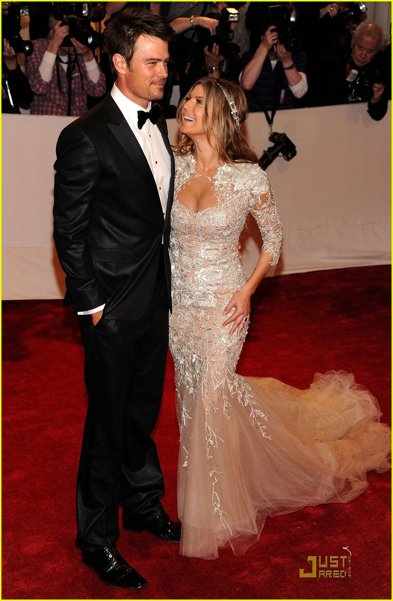 fergie josh duhamel met ball 2011 01