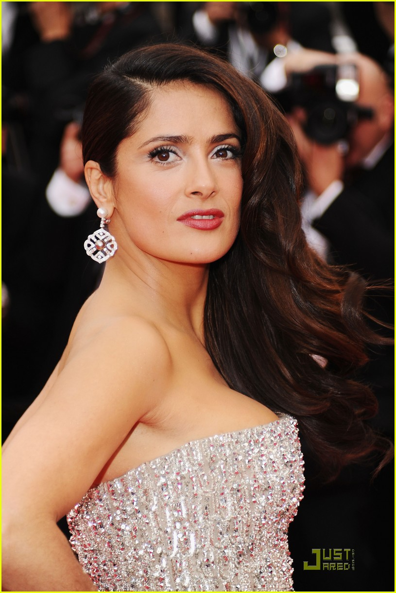 salma hayek cannes opening ceremony 07
