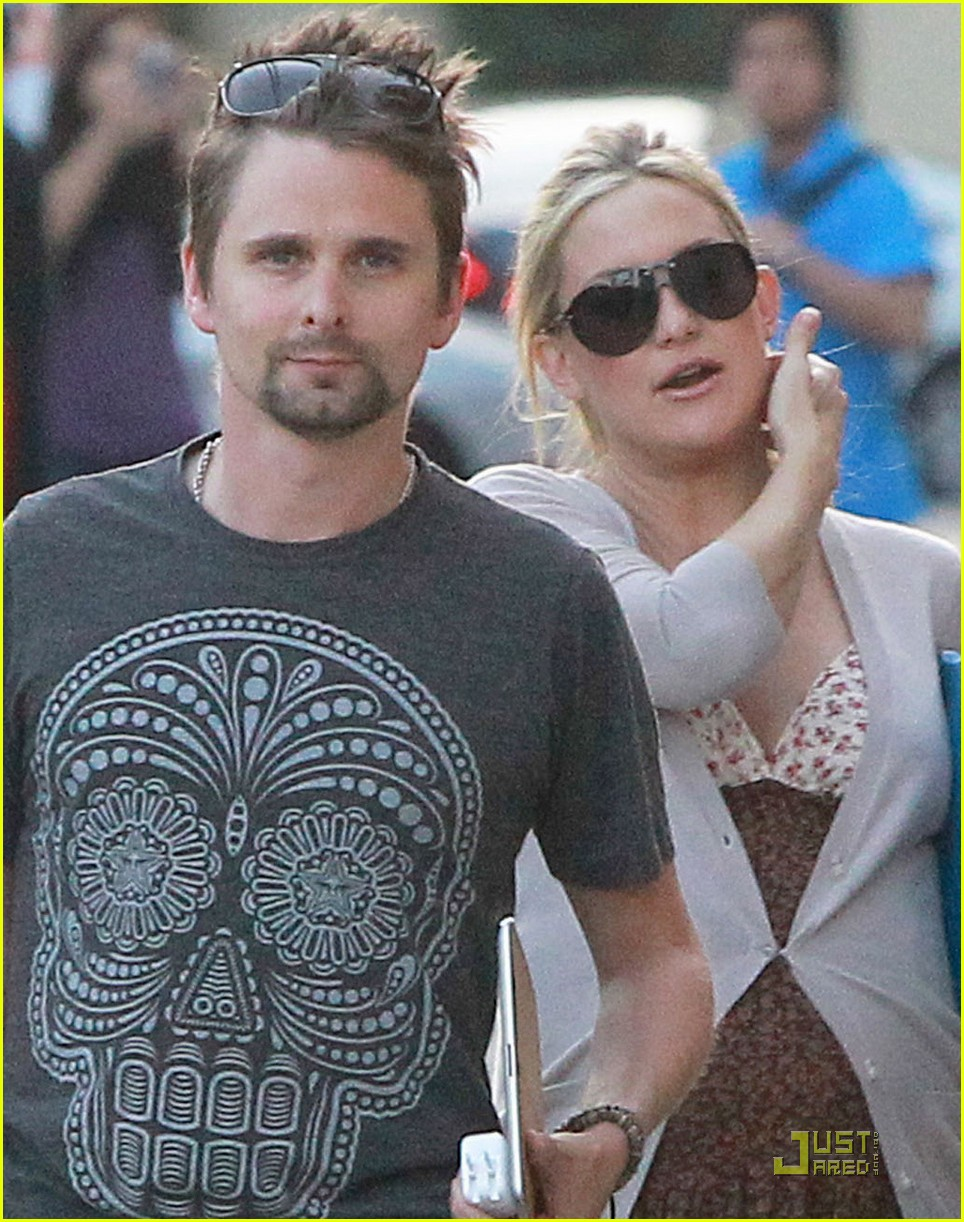 kate hudson matt bellamy kimmel visit 01