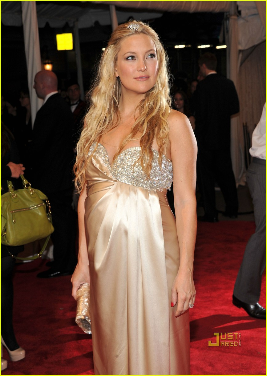 kate hudson met ball 2011 01 06