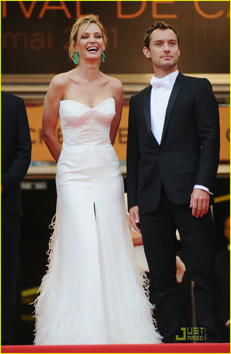 jude law cannes opening ceremony with uma thurman 07