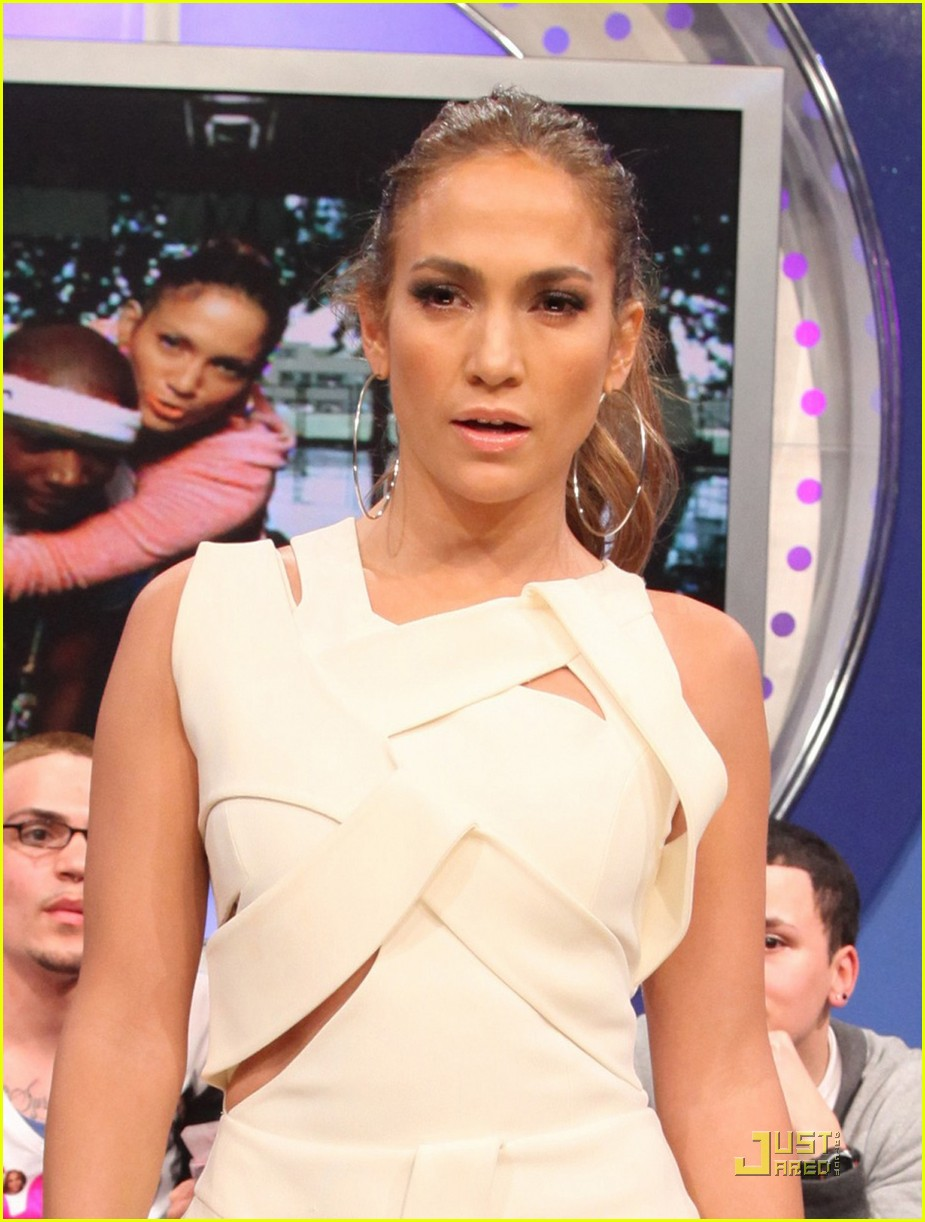 jennifer lopez cutout dress 01