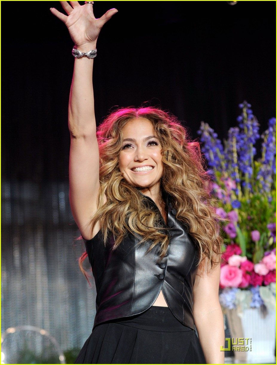 jennifer lopez love cd signing 05