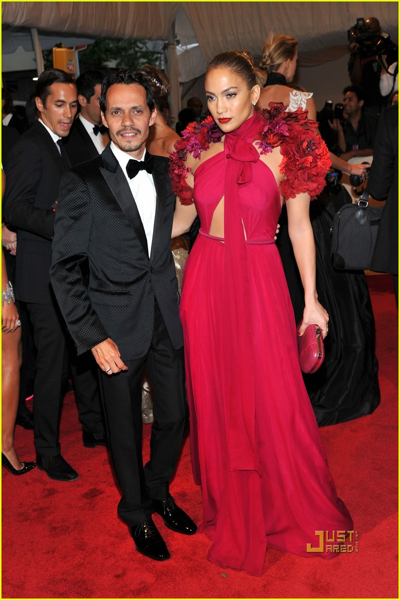 jennifer lopez met ball 2011 01 04
