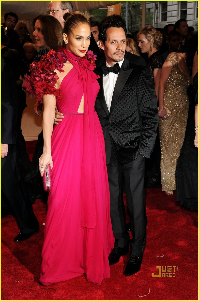 jennifer lopez met ball 2011 01 10