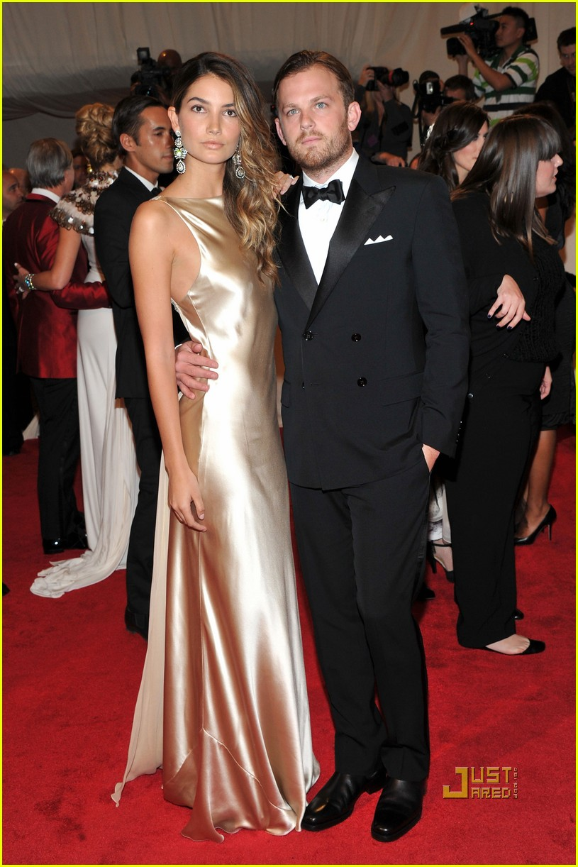 caleb followill met ball lily aldridge 02