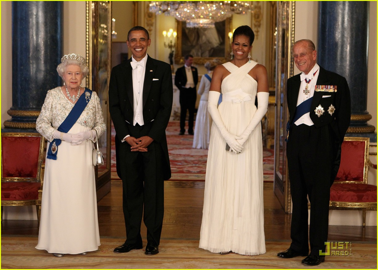 barack michelle obama queen elizabeth state dinner 012547014