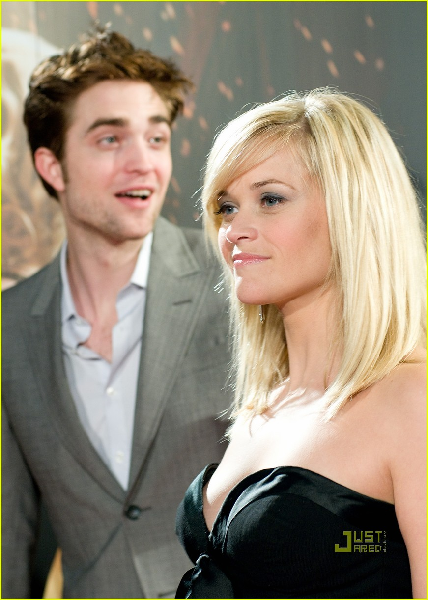 reese witherspoon spain robert pattinson water for elephants 24