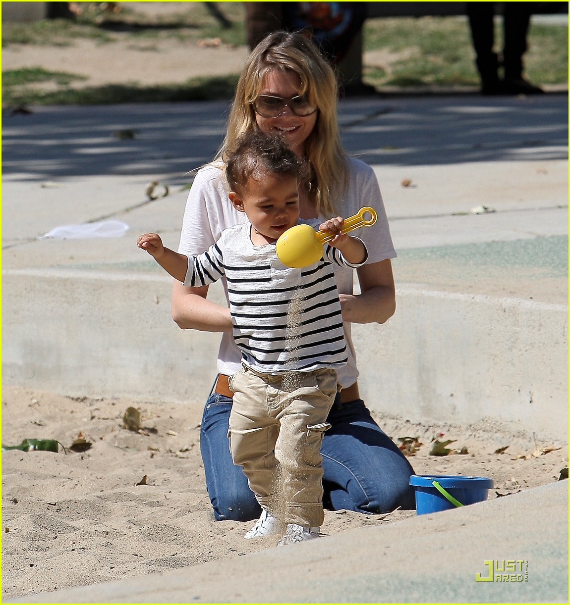 ellen pompeo seesaw with stella 08