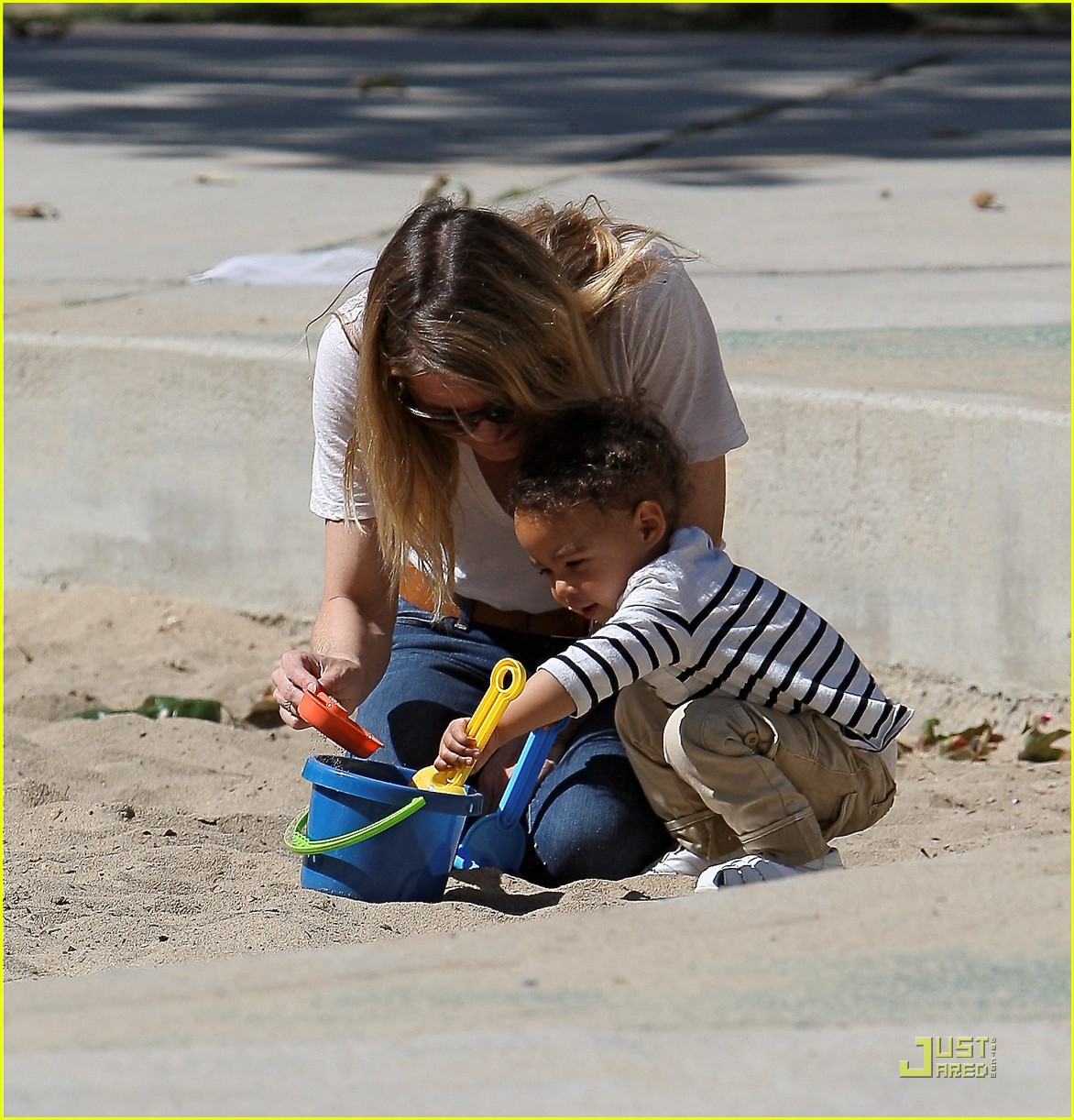 ellen pompeo seesaw with stella 15