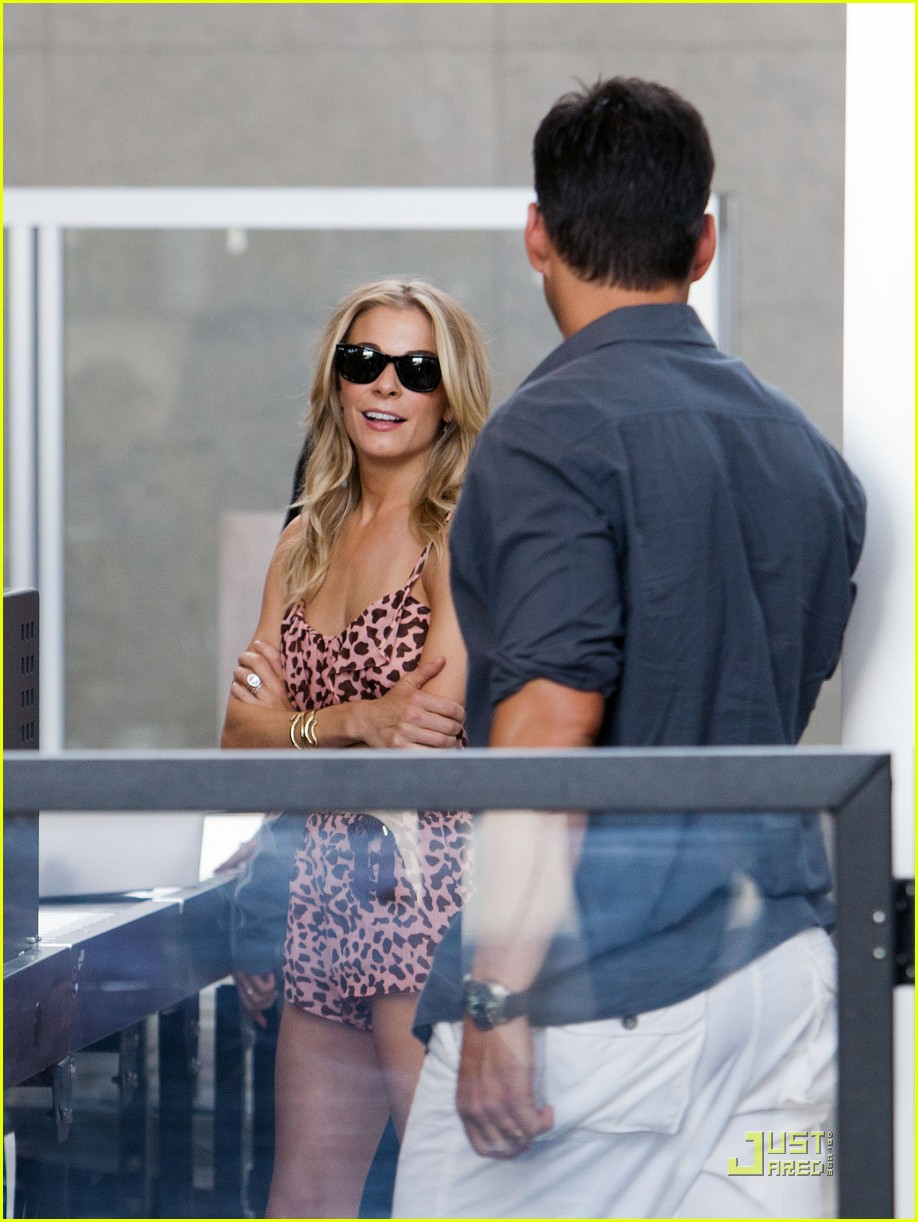 leann rimes eddie cibrian security smooch 05