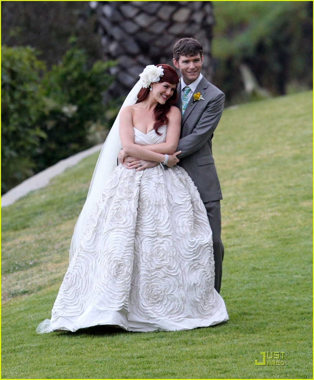 Full Sized Photo Of Sara Rue Weds Kevin Price 01