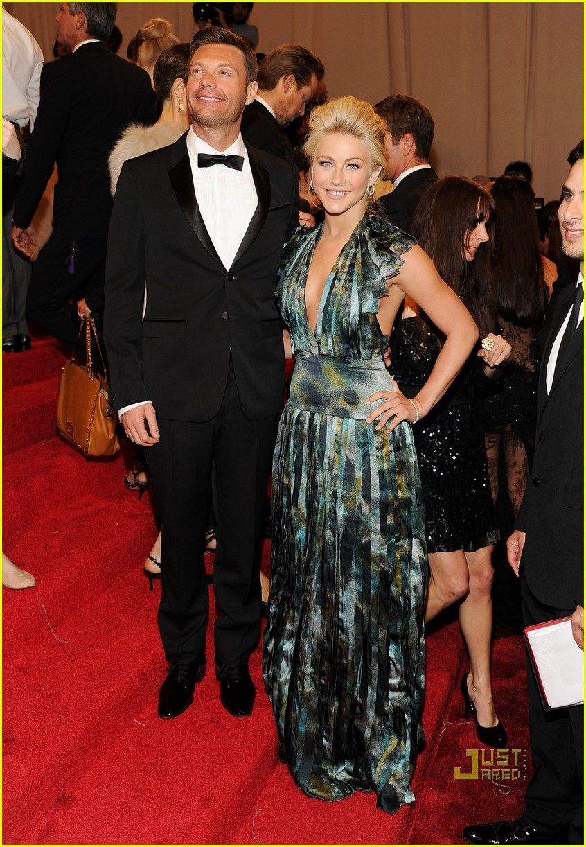 ryan seacrest julianne hough met ball 2011 03