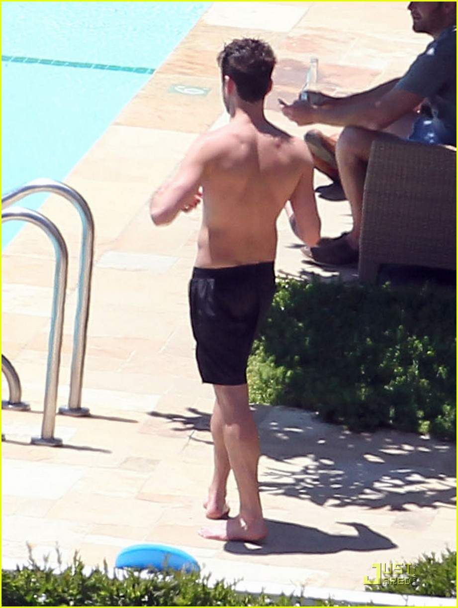 jared followill shirtless 02