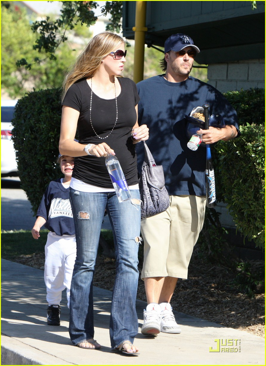 britney spears jamie lynn baseball game 03