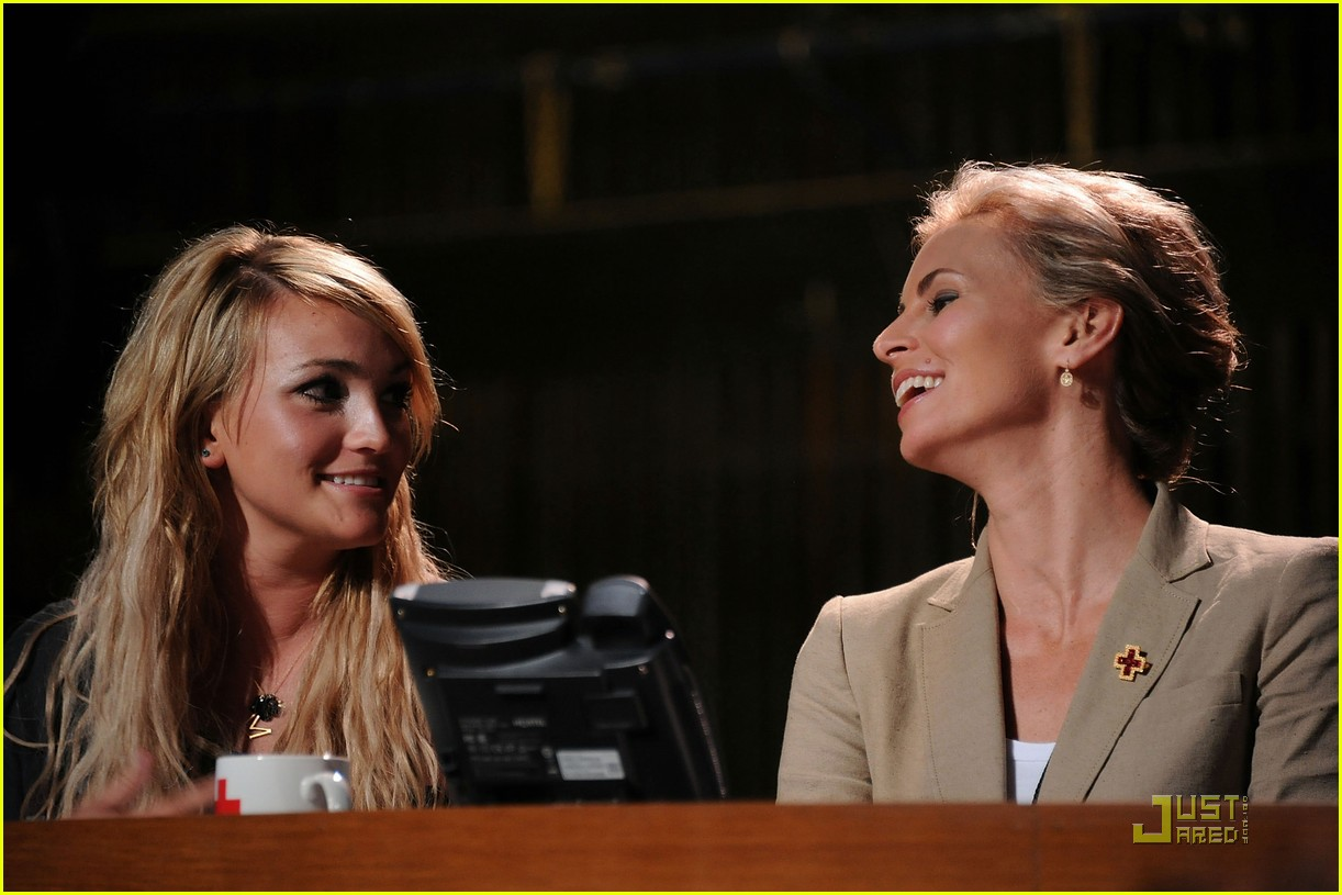 jamie lynn spears disaster relief 01