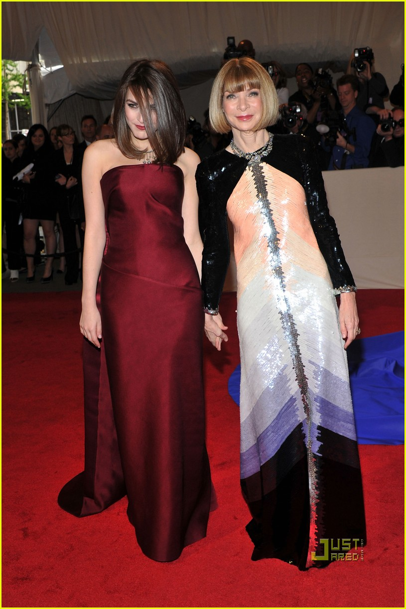 anna wintour met ball 2011 01