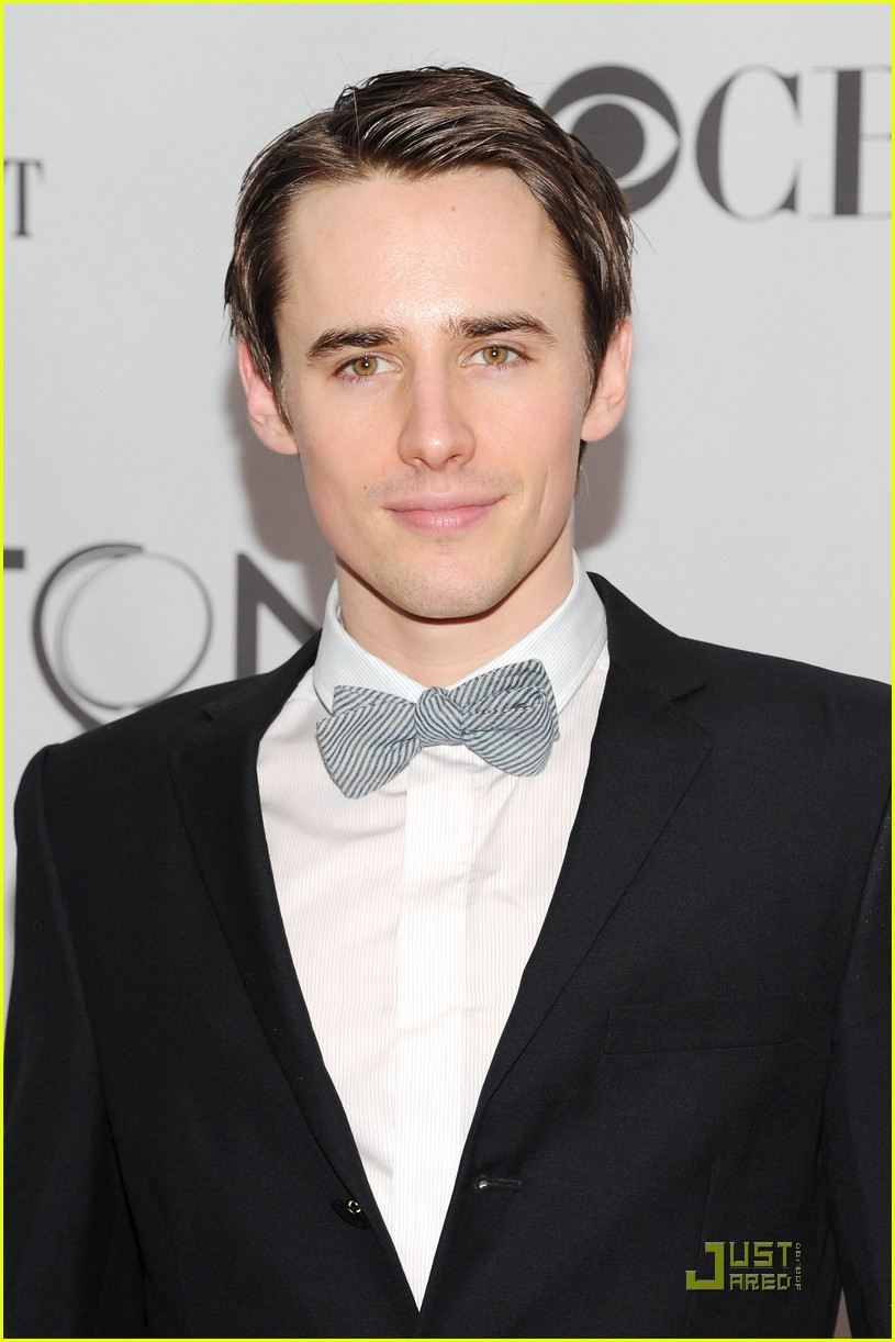 reeve carney jennifer damiano tony awards 2011 04