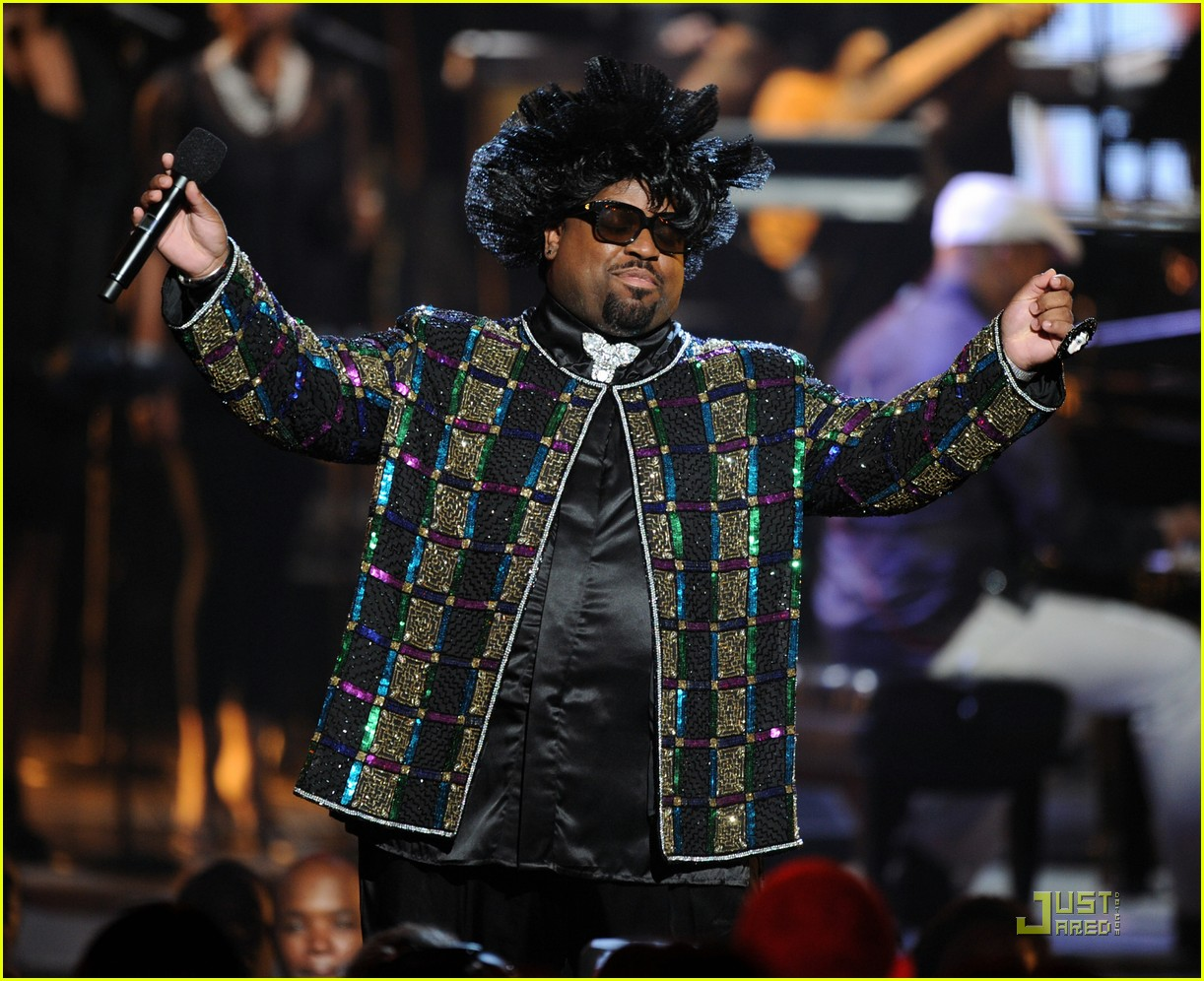 cee lo green drops out of rihanna tour 05