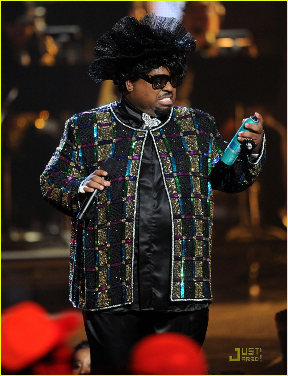 cee lo green drops out of rihanna tour 08