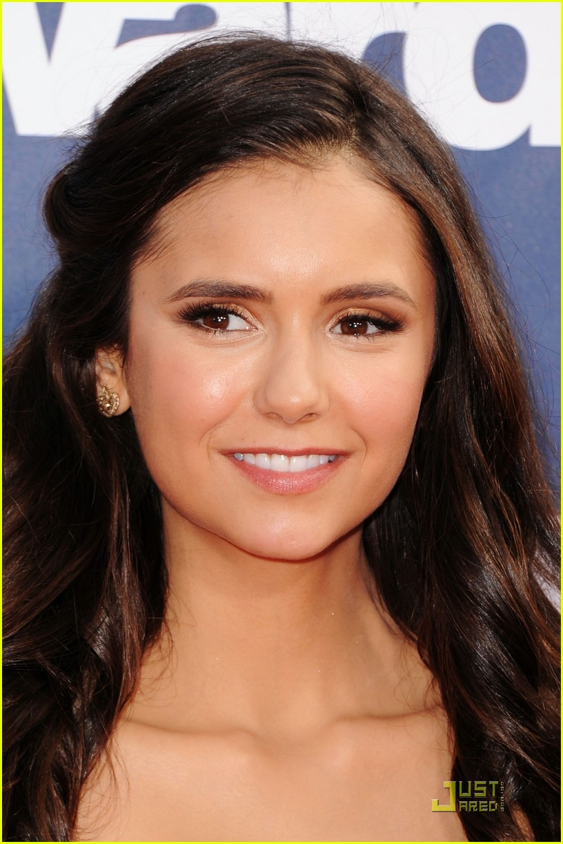 nina dobrev mtv movie awards 07