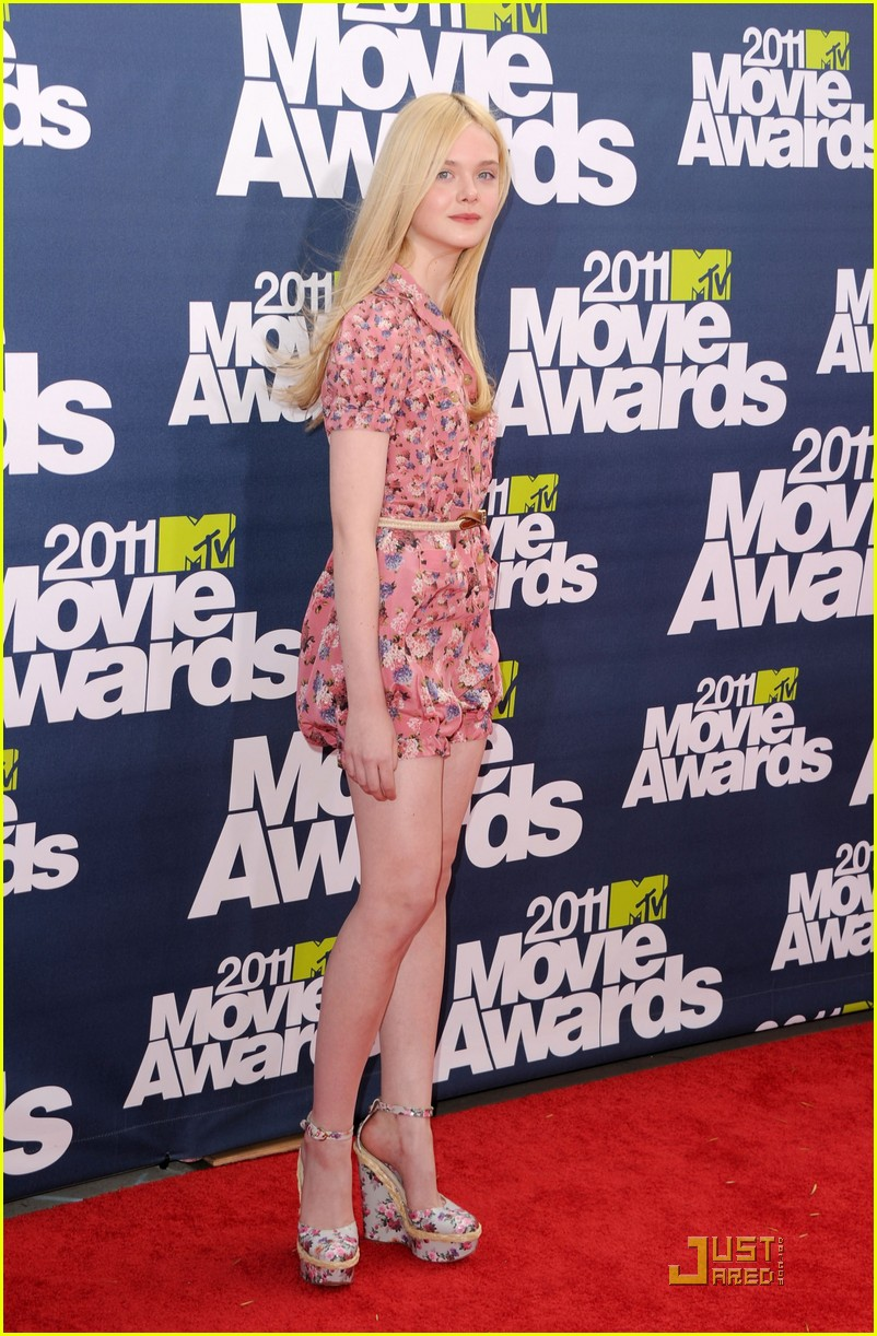 elle fanning mtv movie awards 2011 02