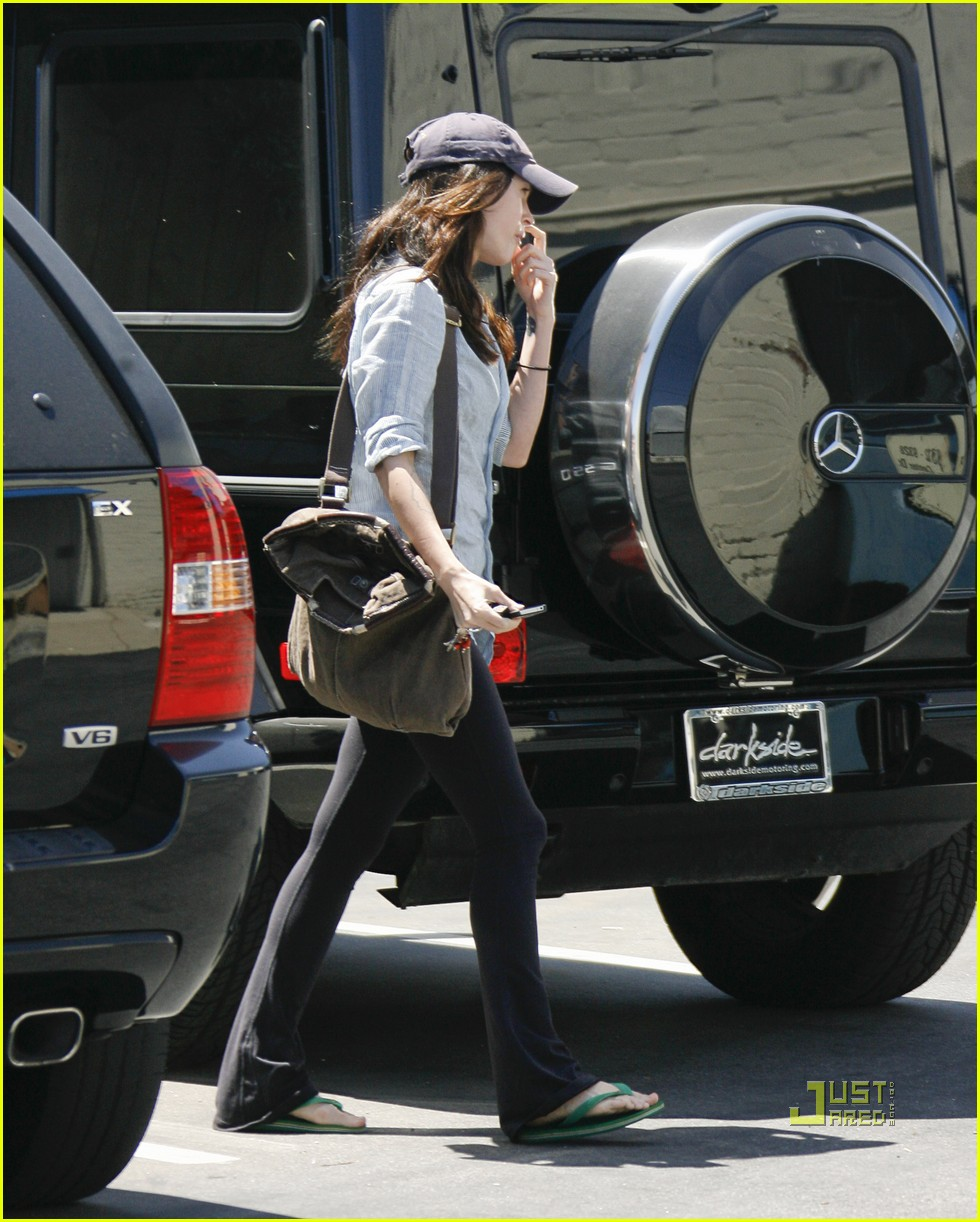 megan fox beverly hills salon 04